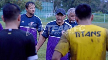 Pelatih sepak bola Rahmad Darmawan. - INDOSPORT