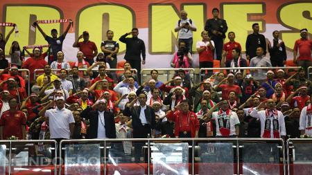 Presiden Republik Indonesia, Joko Widodo, hadir langsung menyaksikan Timnas berlaga di Stadion Pakansari, Cibinong. - INDOSPORT