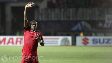 Kapten Indonesia, Boaz Solossa saat melakukan selebrasi gol.