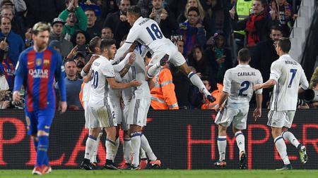 Selebrasi pemain Real Madrid setelah Sergio Ramos berhasil mencetak gol. - INDOSPORT