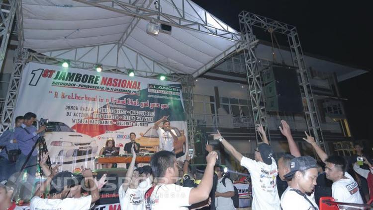 Komunitas Jambore Nasional Lancer Indonesia tengah menikmati dengan adanya dj.