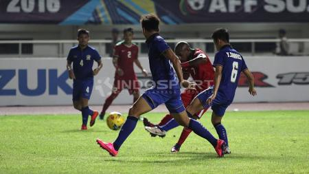 Situasi pertandingan Timnas Indonesia vs Thailand. - INDOSPORT