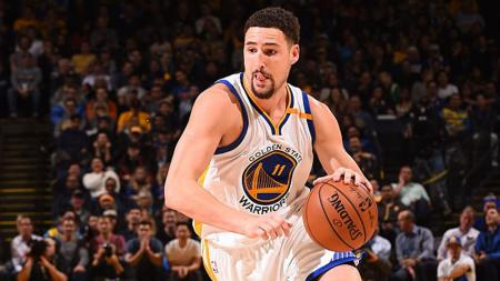 Bintang Golden State Warriors, Klay Thompson, mengalami cedera pada laga NBA Finals 2019 menghadapi Toronto Raptors. - INDOSPORT