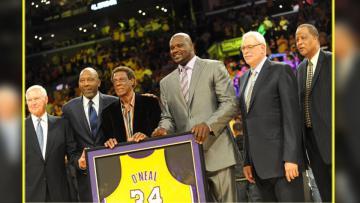 Shaquille O'Neal saat mendapat penghargaan dari LA Lakers pada bulan April 2016 lalu.