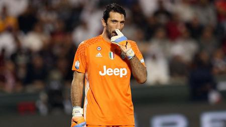 Gianluigi Buffon masih ingin terus bermain pasca Piala Dunia 2018. - INDOSPORT