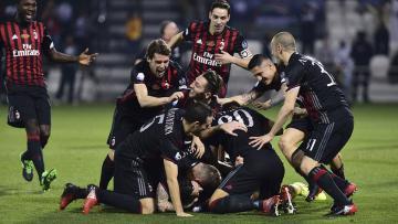 Aksi selebrasi pemain AC Milan juara Supercoppa Italia 2016.