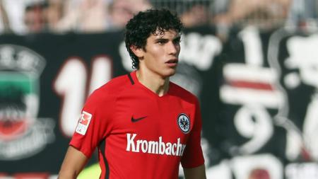 Jesus Vallejo merupakan salah satu bek muda menjanjikan milik Real Madrid. - INDOSPORT
