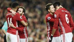 Indosport - Paul Pogba dihina, Rekan setim Manchester United beri dukungan dan anggpa penghina seorang pengecut.