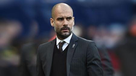 Pelatih Manchester City, Pep Guardiola pada laga saat melawan Burnley. - INDOSPORT
