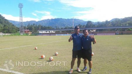 Ibnu Grahan (kiri) diminati dua klub kontestan kompetisi resmi 2017, Persegres Gresik United dan Bhayangkara FC. - INDOSPORT