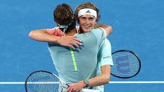 Indosport - Roger Federer baru saja kalah dari Alexander Zverev 7-6 (1), 6-7 (4), 7-6 (4).