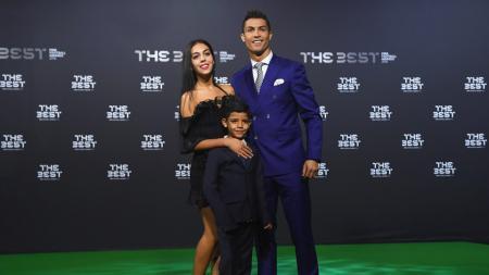 Topik pernikahan Cristiano Ronaldo dan Georgina Rodriguez masih hangat diperbincangkan publik. - INDOSPORT