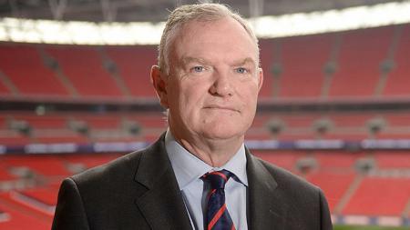 Ketua Asosiasi Sepak Bola Inggris (FA) Greg Clarke menyatakan kompetisi Liga Inggris musim ini mungkin tidak akan berakhir hingga selesai karena pandemi virus corona. - INDOSPORT