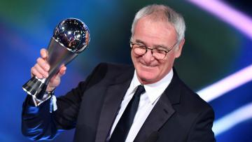 Claudio Ranieri terpilih sebagai pelatih terbaik FIFA 2016.