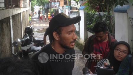 Leonard Tupamahu menganggap Achmad Kurniawan sebagai sosok yang menyenangkan. - INDOSPORT