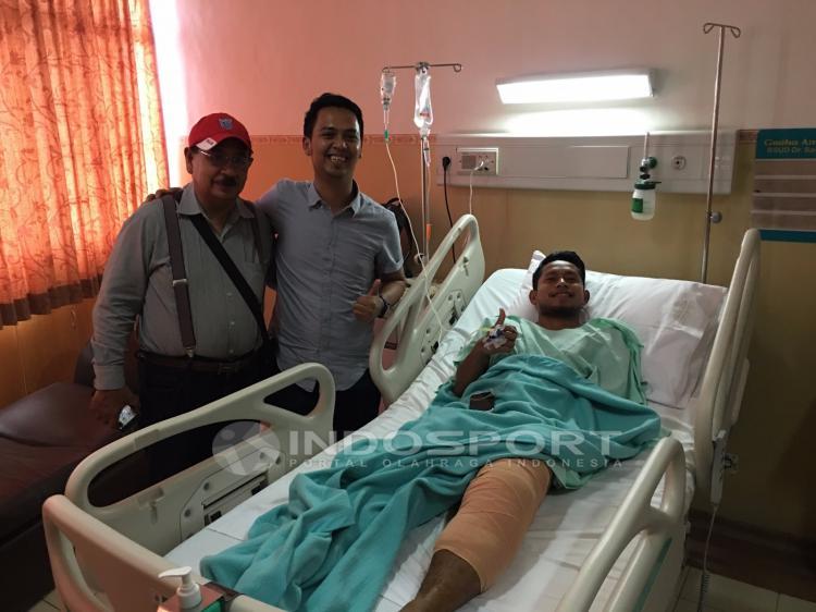 Andik Vermansah usai menjalani operasi. Copyright: INTERNET/FAJAR KRISTANTO