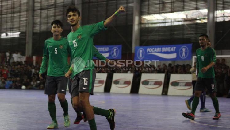 Selebrasi Pemain Timnas Futsal Indonesia, Yamani usai mencetak gol pertama.