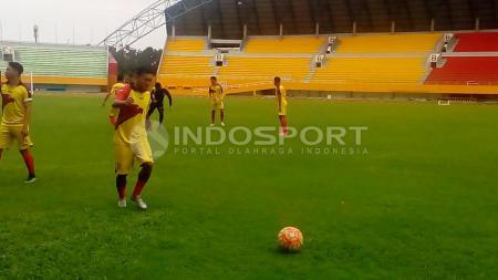 Pada sesi latihan perdana Sriwijaya FC di Stadion Gelora Sriwijaya Jakabaring Palembang, Selasa (17/1/17). - INDOSPORT