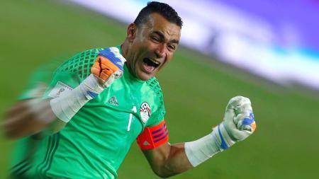 Essam El Hadary, kiper mesir yang menjadi pemain tertua di Piala Afrika 2017. - INDOSPORT