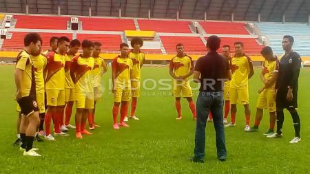 Sriwijaya FC mulai menjalani latihan untuk pertama kalinya di Stadion Gelora Sriwijaya Jakabaring Palembang, Selasa (17/01/17). - INDOSPORT