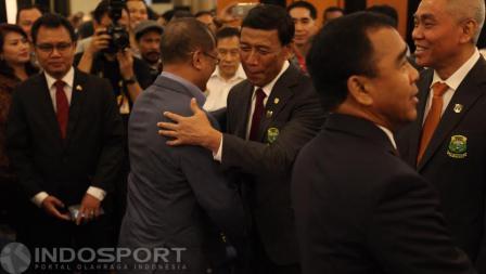 Ketum PBSI Wiranto mendapat ucapan selamat dari beberapa kalangan yang hadir di Pelantikan Pengurus Pusat PBSI 2016-2020.
