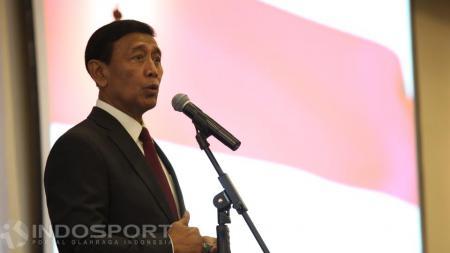 Ketum PBSI periode 2016-2020, Wiranto memberi kata sambutan di acara pelantikan. - INDOSPORT