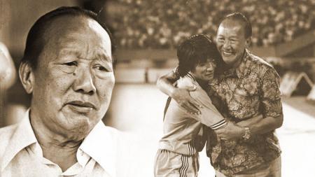 Choo Seng Quee atau yang biasa dikenal dengan Uncle Choo merupakan pelatih asing Asia pertama yang menangani timnas Indonesia pada tahun 1951. - INDOSPORT
