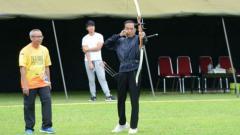 Indosport - Presiden Joko Widodo diketahui tengah hobi olahraga panahan.