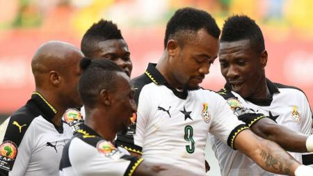 Pemain Ghana melakukan selebrasi setelah Asamoah Gyan mencetak gol. - INDOSPORT