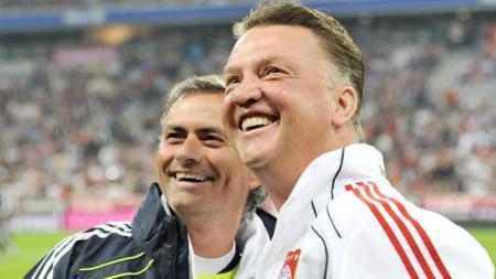 Mantan pelatih Manchester United, Louis van Gaal, semprot habis Ajax Amsterdam yang dianggap memanfaatkan virus corona untuk meraih gelar juara Eredivisie - INDOSPORT