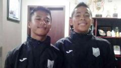 Indosport - Pemain muda Indonesia, Syukran Arabia Samual (kanan) dan Andrian Risdianto