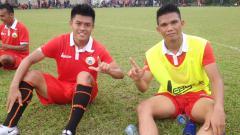 Indosport - Eks pemain Persija Jakarta Jefri Kurniawan (kiri) dan gelandang Macan Kemayoran Sandi Sute (kanan).