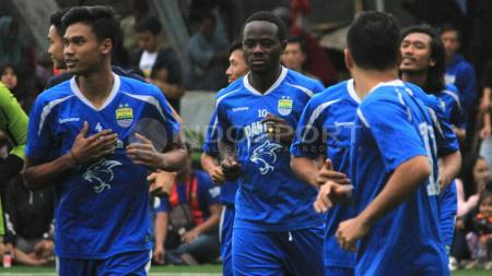Para penggawa Persib Bandung saat mengikuti sesi latihan. - INDOSPORT