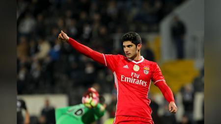 Goncalo Guedes dikabarkan kian dekat untuk merapat ke Paris Saint-Germain. - INDOSPORT