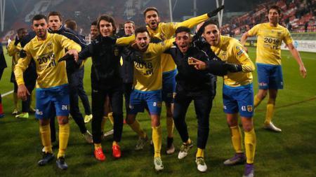 Stefano Lilipaly Bersama Skuat SC Cambuur - INDOSPORT