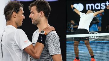 Rafael Nadal merayakan keberhasilan mengalahkan Roger Federer.