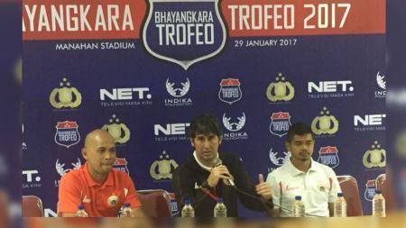Stefano 'Teco' Cugurra dalam konferensi pers Piala Bhayangkara 2017. - INDOSPORT