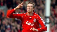 Indosport - Peter Crouch pernah menjadi momok menakutkan bagi mantan pemain Manchester United, Nemanja Vidic.