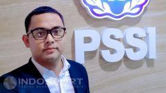 Indosport - Penerjemah Timnas Indonesia Bayu Eka Sari Teguh (Bang Bes).