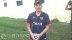 Indosport - Mantan asisten pelatih Persija Jakarta, Isman Jasulmei.