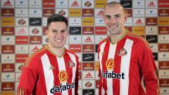 Indosport - Oviedo dan Gibson resmi bergabung dengan Sunderland.