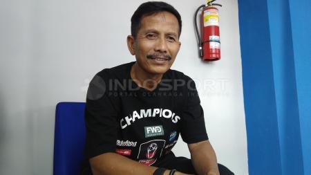 Djajang Nurdjaman bakal mewaspadai para pemain senior PSM Makassar. - INDOSPORT