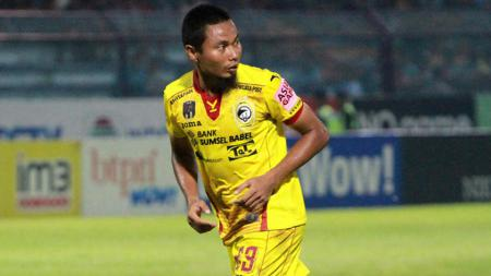 Penggawa Sriwijaya FC, Muhammad Ridwan. - INDOSPORT