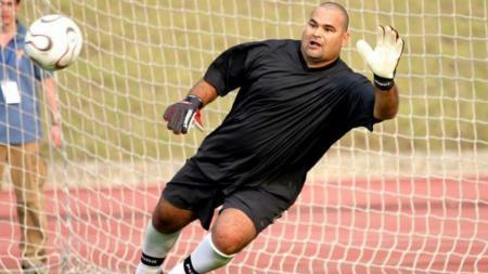 Legenda Paraguay yang pernah bermain di Liga Inggris, Faustino Asprilla mengakui jika dirinya pernah mencegah seseorang pembunuh bayaran untuk tidak membunuh eks kiper Paraguay Jose Luis Chilavert. - INDOSPORT