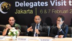 Indosport - Sekretaris Jenderal AFC, Dato Windsor Paul John (tengah), siap membantu Indonesia dalam penyelenggaraan Piala Dunia U-20 2021.