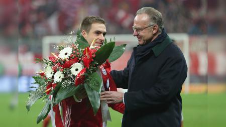 Philipp Lahm nyaris berseragam Barcelona, namun memilih setia pada Bayern Munchen. - INDOSPORT