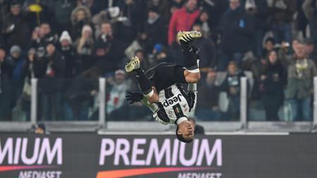 Hernanes rayakan golnya ke gawang Pescara di lanjutan Serie A Italia bulan November silam. - INDOSPORT