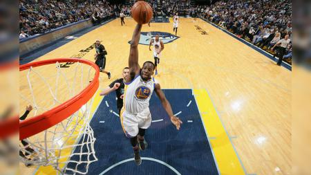 Pebasket Golden State Warriors, Draymond Green, mendapat pujian usai timnya menang beruntun di NBA. - INDOSPORT