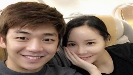 Mantan istri terlibat bisnis prostitusi, pebulutangkis Korea Selatan, Lee Yong-dae justru pamer kebahagiaan. - INDOSPORT