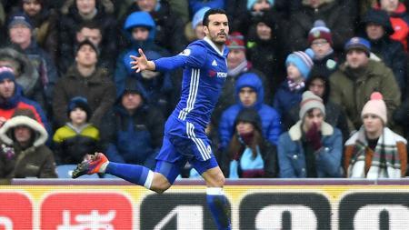 Pedro Rodriguez selebrasi setelah berhasil membobol gawang Burnley pada menit ke-7'. - INDOSPORT